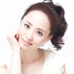 松田聖子の顔が不自然で昔は?劣化としわとでかい?丸い変化と大きい腫れ?